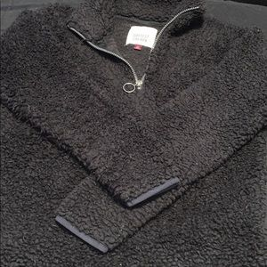 Soft sherpa black pull over
